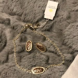 Kendra Scott bracelet and earring set